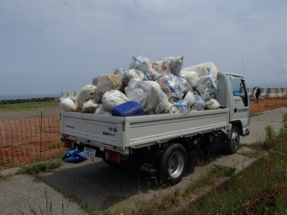 持石海岸の清掃活動2016